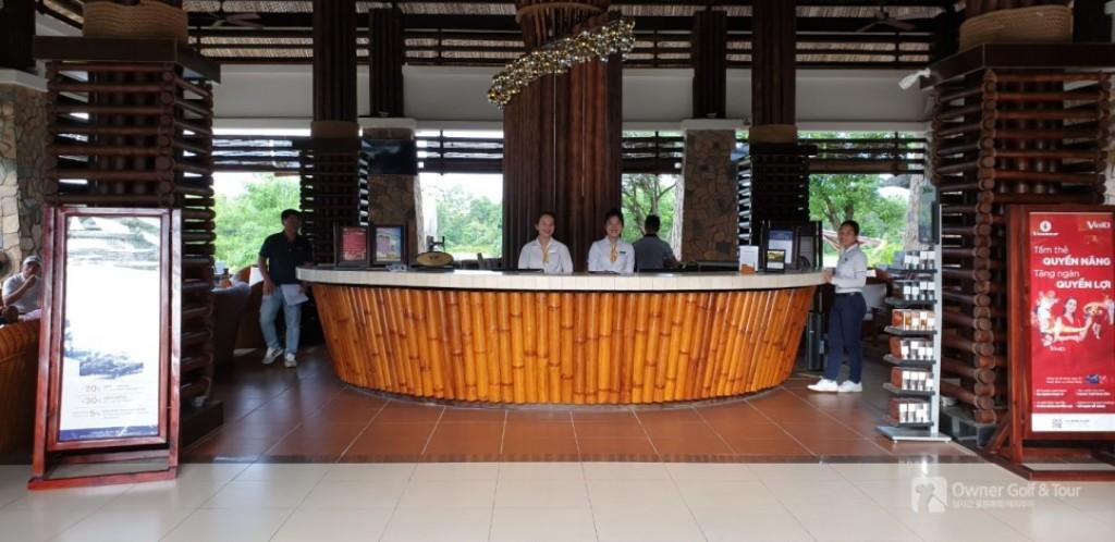 푸꾸옥 빈펄 골프장(Vinpearl Golf Phu Quoc) 클럽하우스 로비 풍경