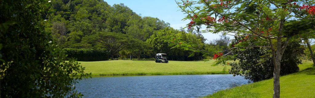달릿베이 GC(Dalit Bay Golf & Country Club) 꽃과 호수가 있는 필드 풍경, Image from Dalit Bay Golf & Country Club