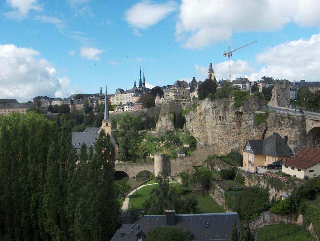 룩셈부르크(LUXEMBOURG) 도시 전경, Luxembourg City straddles several valleys and outcrops,Photo by Streppel