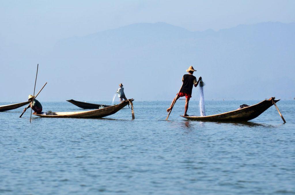 미얀마 인레 호수(Inle Lake)의 어부들, Photo by Peggy und Marco Lachmann-Anke