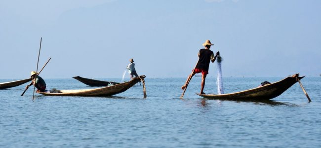 미얀마 인레 호수(Inle Lake)의 어부들, Photo by Peggy und Marco Lachmann-Anke