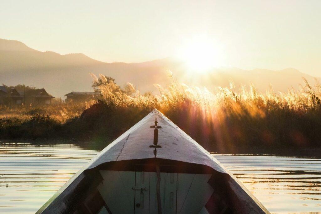 미얀마 인레 호수(Inle Lake) 석양 풍경, Inle Lake, Shan State, Myanmar, Photo by bckfwd