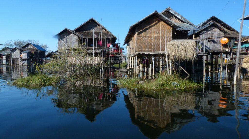 미얀마 인레 호수(Inle Lake) 수상가옥, Photo by Patrick Fransoo