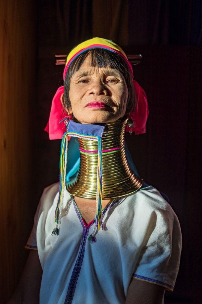 미얀마 인레 호수(Inle Lake) 현지 주민, Padaung Lady, Photo by julien-de-salaberry