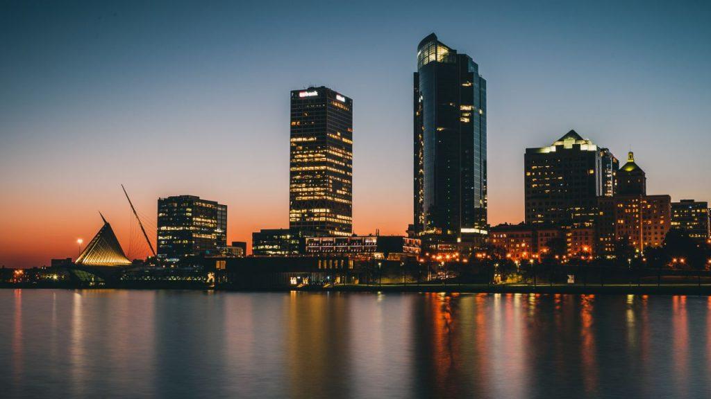 밀워키(Milwaukee) 야경, 미국 위스킨주 밀워키(Milwaukee, WI, USA), Photo by Wei Zeng