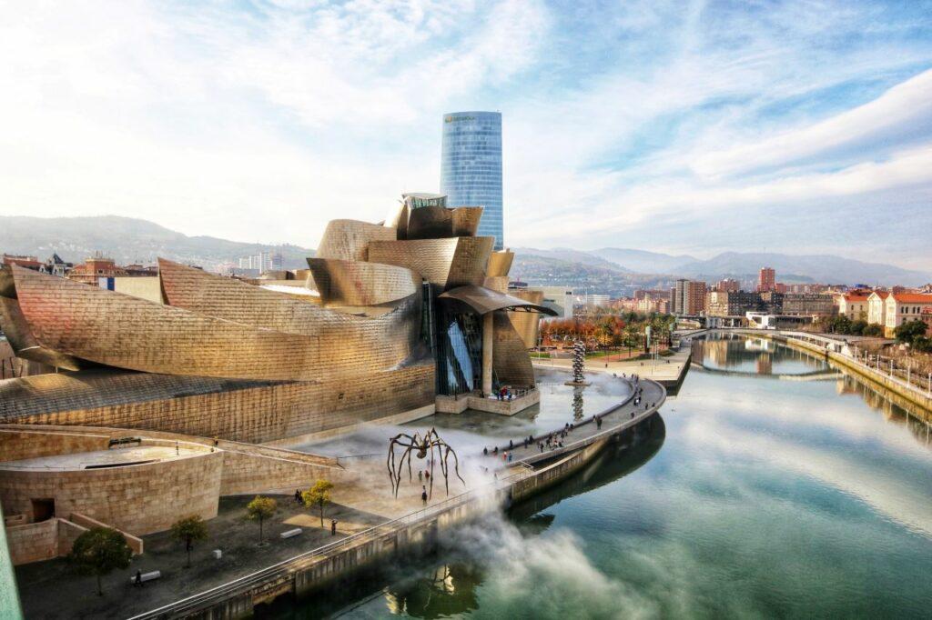 스페인 빌바오 구겐하임 미술관 전경, 빌바오 구겐하임 미술관(Guggenheim Museum, Bilbao, Spain), Photo by jorge-fernandez