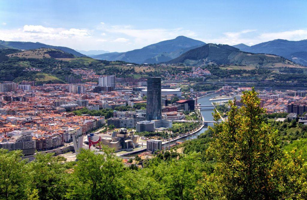 스페인 빌바오 도시 전경, Bilbao, Spain, Photo by Yves Alarie