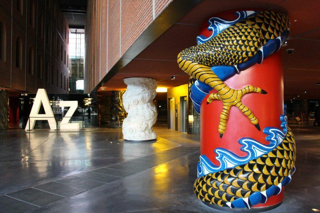 스페인 빌바오 복합 문화공간 아주쿠나 젠트로아(Azkuna Zentroa) 내부 이미지, Photo by Fred Romero