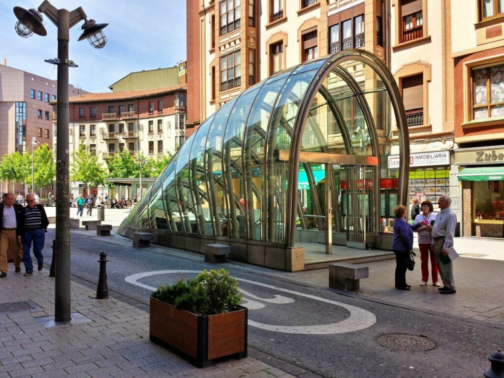 스페인 빌바오 지하철역 디자인, Bilbao rarilway station design, Photo by iCurro