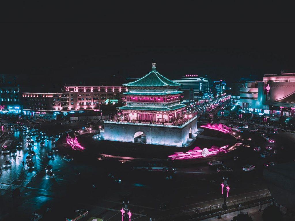 중국 시안 시내 당나라 시대의 종루, Xi'an, China, Photo by yasmin-dango