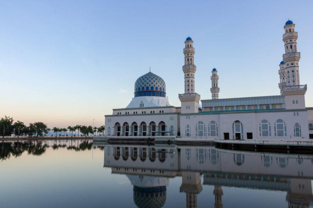 커타키나발루 시티 민스크, Masjid Bandaraya Kota Kinabalu, Kota Kinabalu, Sabah, Malaysia, Photo by andy-wang