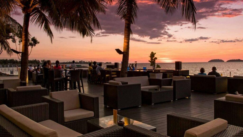 코타키나발루 수트라하버 마젤란 AI 프레스코 선셋바, Al Fresco Sunset Bar, Photo by Sutera Harbour Resort
