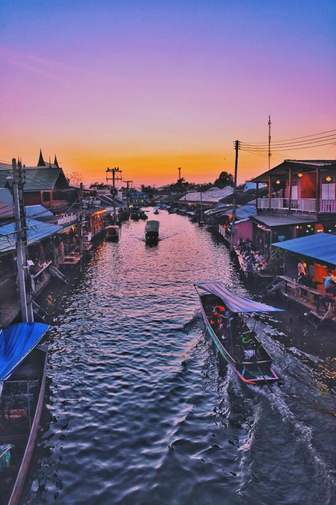 태국 암파와 수상 시장(Amphawa Floating Market) 석양 풍경, phptp by oiqsels,com
