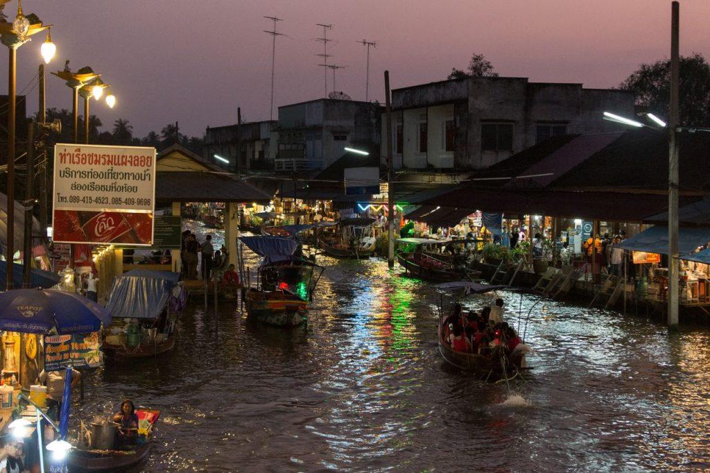 태국 암파와 수상 시장(Amphawa Floating Market), 야간 풍경, Photo by Moody Man