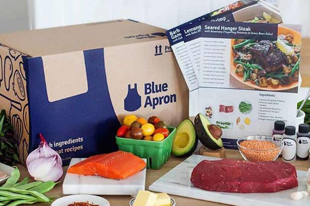 음식 배달 서비스 업체, 블루 에이프런(Blue Apron) 패키지 봉투 및 요리 재료