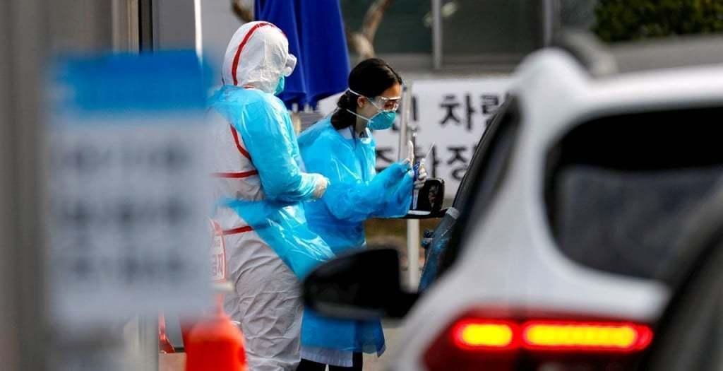 코로나19 검사하는 한국 드라이브 쓰루 모습, Corona19, Conid-19 drivethru, Photo by REUTERS KIM KYUNG-HOON