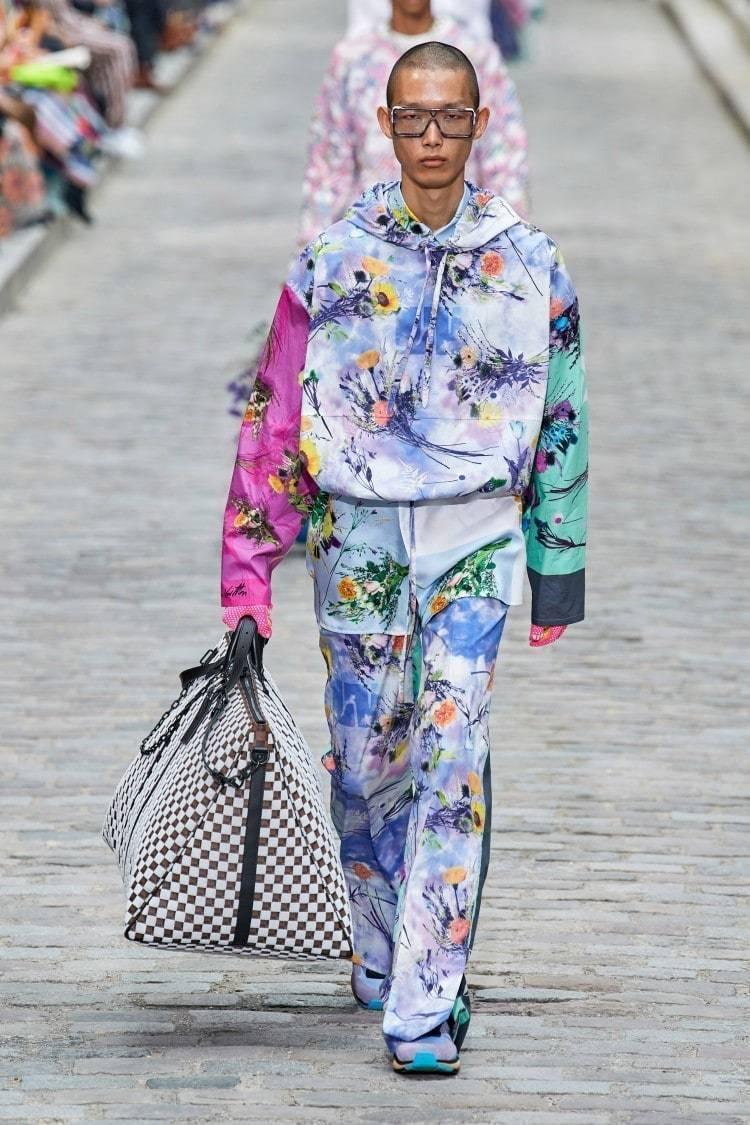 루이비통 플라워 후디(Louis Vuitton flowery hoodie)를