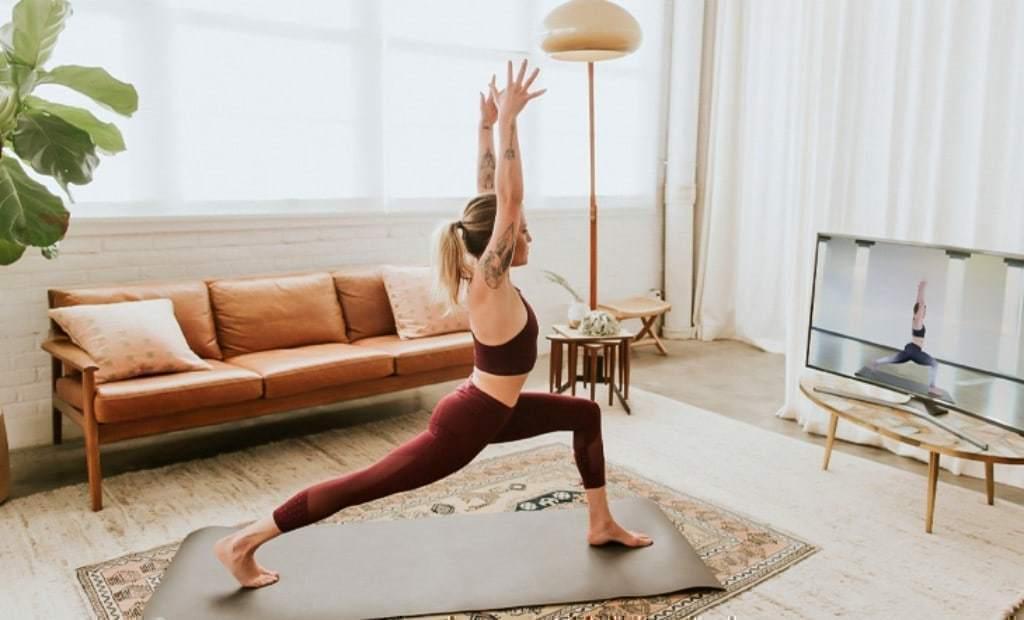 온라인 요가 모습, why yoga online is good, Image from yogaapproved.com