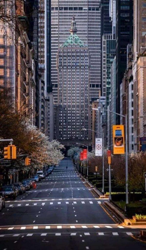 코로나19로 사회적 거리두기중인 뉴욕 맨하튼 그랜드센트럴, Photo by SJ Min
