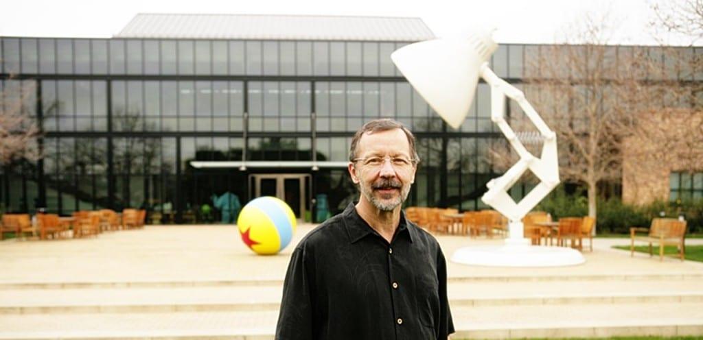 픽사 스티브 잡스 빌딩 앞에서 포즈를 취한 에드 캣멀, ed catmull on front of steve jobs building,Image by midofy