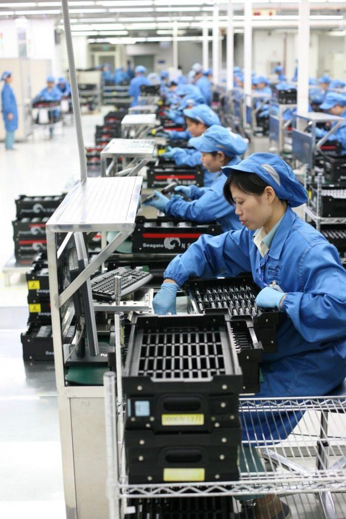 하드디스크 제조업체 시게이트 중국 공장 모습, Seagate Wuxi China Factory Tour, Image from Wikimedia Commons