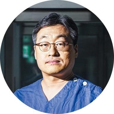 드라이브 스루 검사소 아이디어 냈던 김진용 인천의료원 감염내과 과장, Cicle, Image by 조선일보