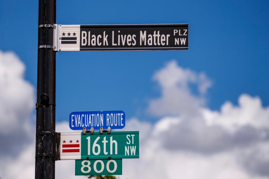 워싱터DC의 백악관이 이르는 길을 BLACK LIVES MATTER plz로 명, 구글은 구글지도에 이를 즉각 반영,Image from newscolony
