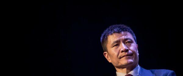 1989년 천안문 민주화운동 당시 학생 지도자였던 저오 평수오(Zhou Fengsuo), Photo by Martin Divisek, EPA