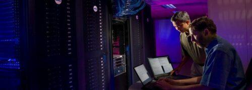 슈퍼컴퓨터 서버 관리하는 관리자들, Thunderbird supercomputer at Sandia National Laboratory, Photo by science in HD