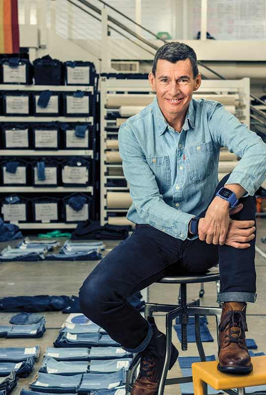 리바이스 CEO가 밝힌 리바이스 전략, 낡은 브랜드를 쿨하게 만들기