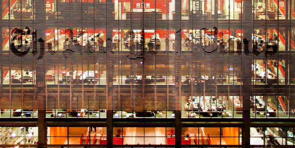 뉴욕타임스 사옥 야간 풍경, nyt composite night square, Image from NYT