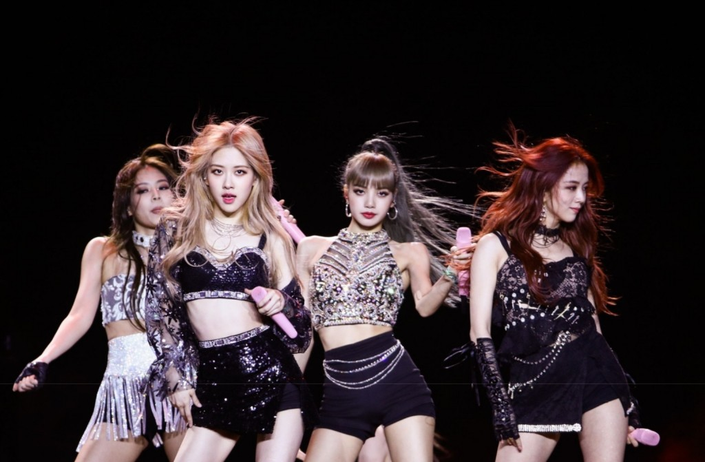 2019년 코첼라에서 공연 중인 블랙핑크, Blackpink performs at Coachella in 2019, Photo by Rich Fury