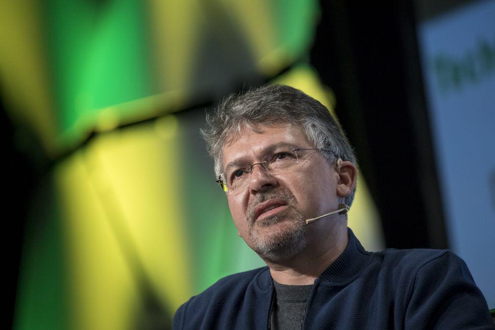 애플 인공지능(AI) 및 머신러닝을 총괄하는 수석 부사장인 존 지안안드레아(John Giannandrea), Image from Bloomberg