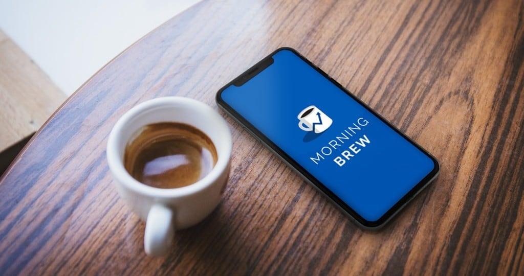 비즈니스 뉴스에 특화된 모닝브루 컨셉이 잘나타난 모닝브루 홍보 이미지, Image from Morning Brew