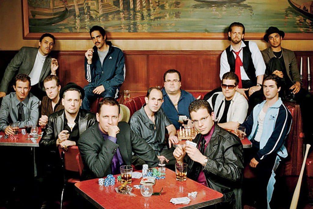 비즈니스 잡지 포춘(Fortune) 요청으로 페이팔 창업자 및 주요 멤버들이 마피아 복장을 하고 찍은 사진, Photo by Robyn twomey, Corbis outline
