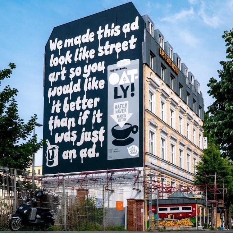 재치가 넘쳐서 한번 꼭 읽고 지나가야할 것 같은 오틀리 옥외 광고, Oat milk ad Oatly ad