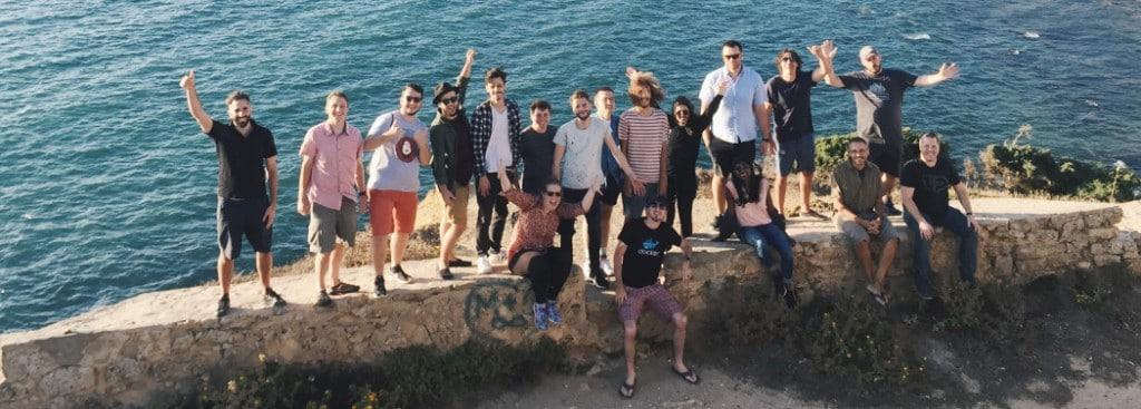 Sure Office의 원격 근무자 워크숍 프로그앰, remote-team-retreats_invision