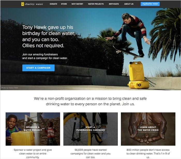 프로 스케이트 보더 토니 호크의 생일 캠페인을 소개는 Charity Water 사이트 메인
