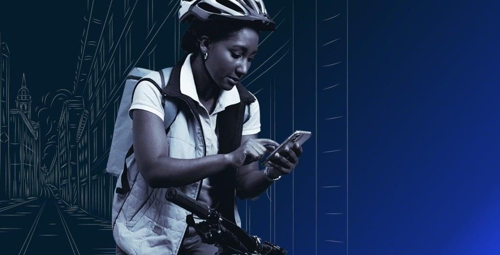코로나 이후 일자리 보고서, 자전거를 타면서 스마트폰을 조작하는 여성, Works after covid19, Image from McKinsy
