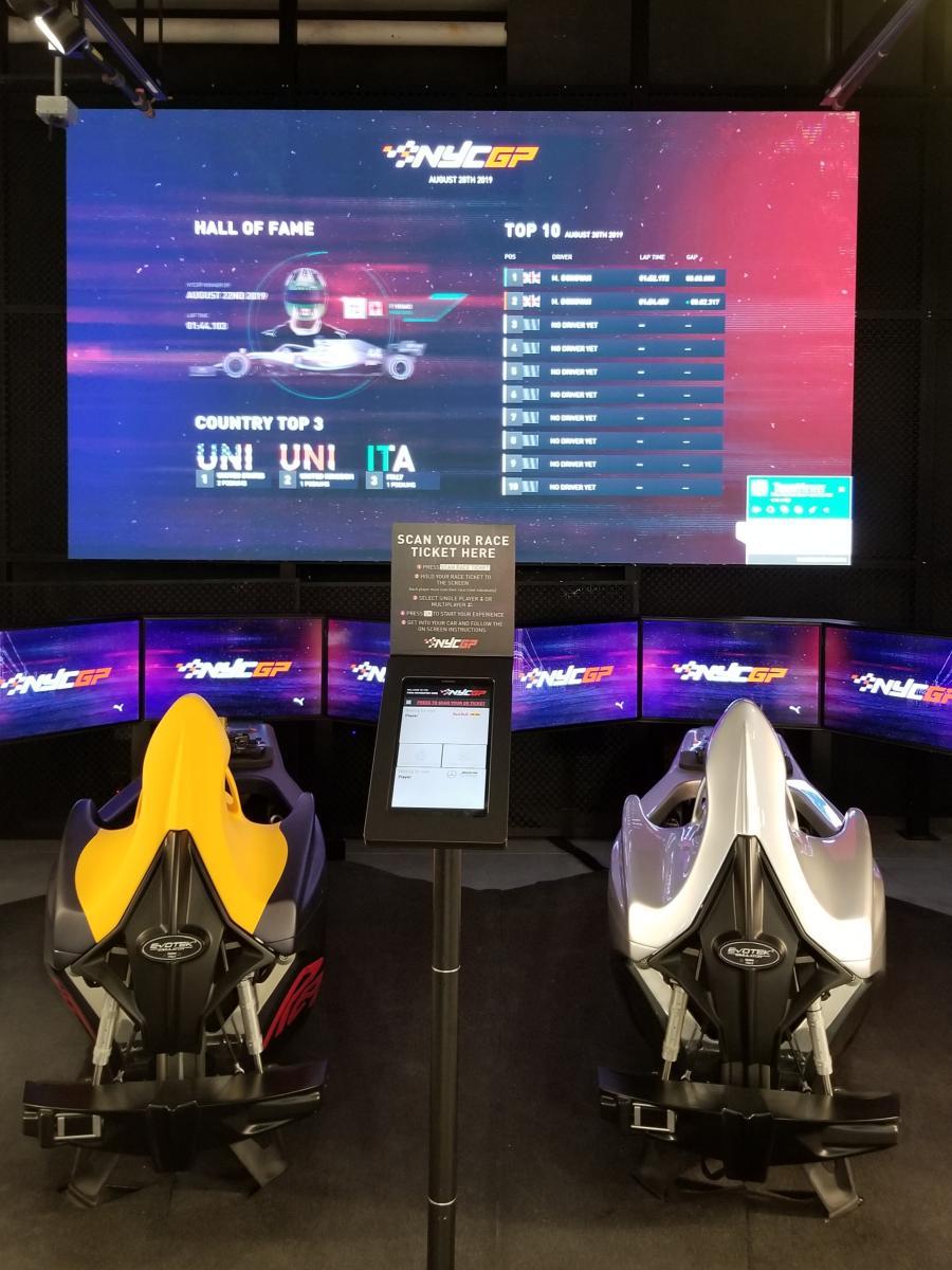 퓨마 뉴욕 플래그쉽 매장, F1 레이싱 시뮬레이터, F1 simulator