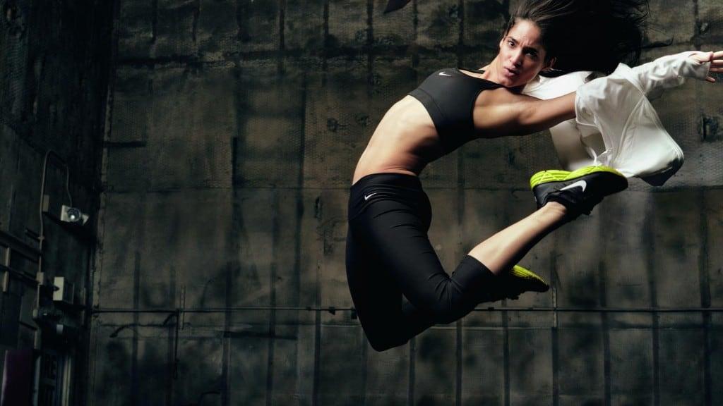 나이키 도약, 공중으로 뛰어오른 나이키 모델, Image from Nike