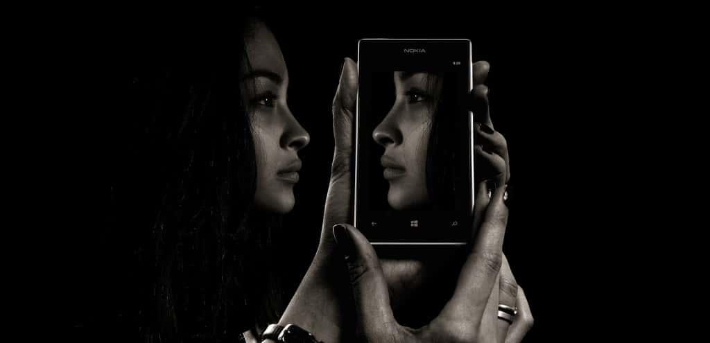 스마트폰 미러, 디지탈 광고, smartphone mirror, Photo by Geralt