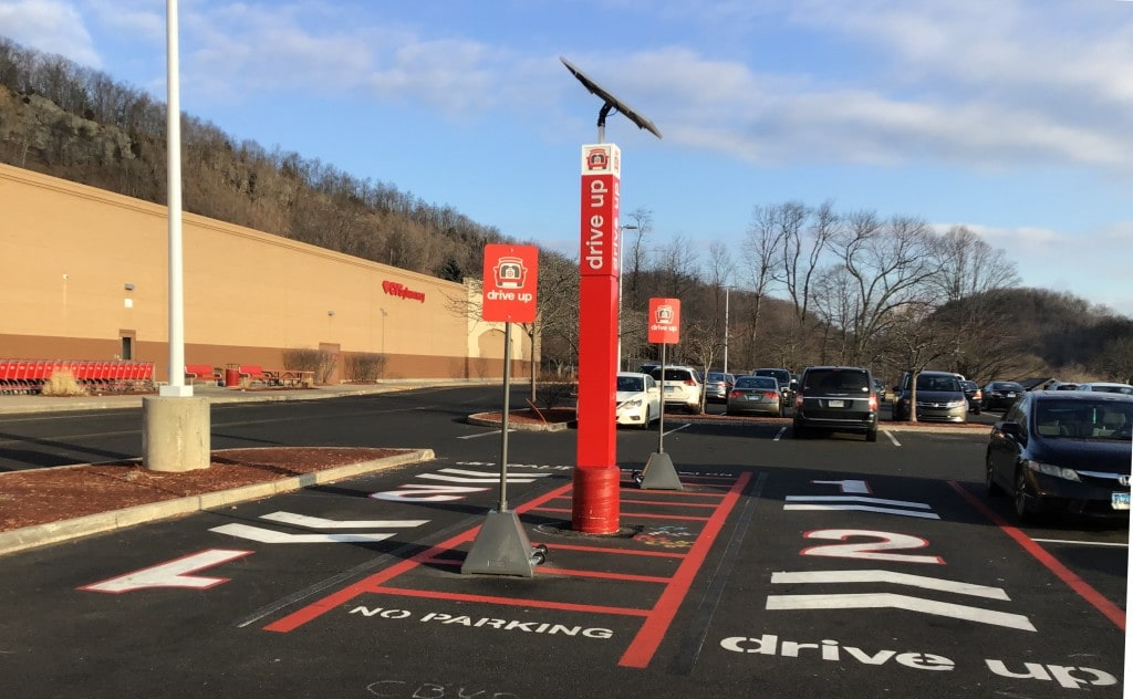 타겟 픽업 주차장 모습, Target Drive Up parking Lots, Image from Wikimedia