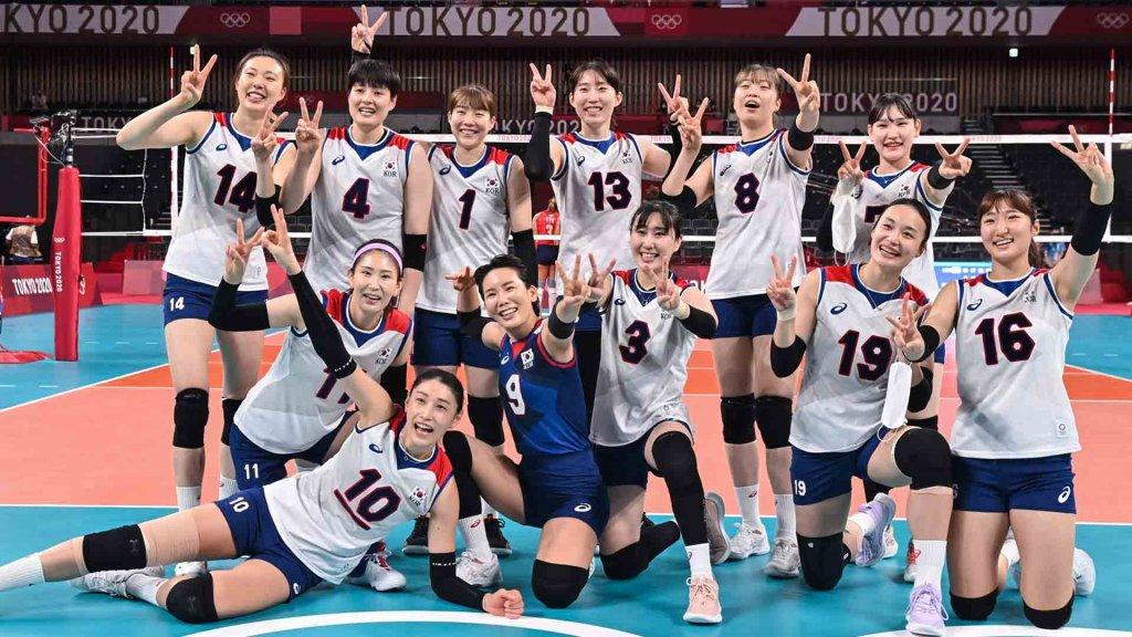 2020 도쿄올림픽 도미니카전 승리를 기뻐하는 김연경과 한국 여자배구 선수들, 사진출처-올림픽공동취재단