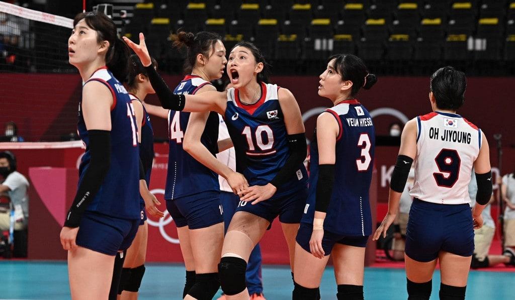 2020 도쿄 올림픽 터키와의 8강전에서 주심에게 항의하는 김연경선수, 도쿄 올림픽사진공동취재단